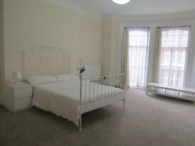 Sapicious lovely ensuite room and extra large double room
