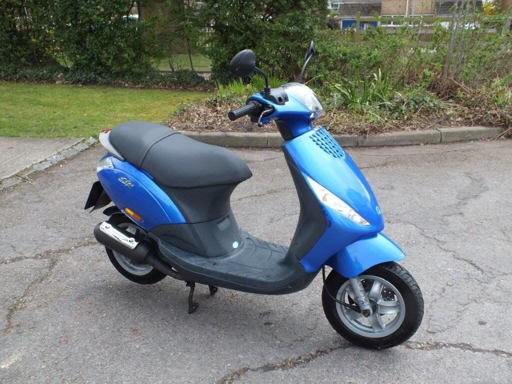 piaggio zip 50cc 2t in caversham berkshire gumtree. Black Bedroom Furniture Sets. Home Design Ideas