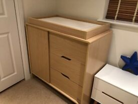 KUB Changing Table/Dresser (maple)