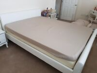 White faux leather kingsize bed complete with mattress & topper BRAND NEW