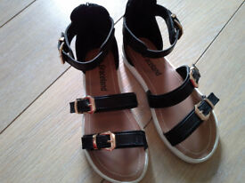 Girls black gladiator sandals 13/32 £3