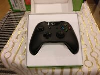 Xbox One Controller with 3.5mm headphone jack | Black | Perfect condition