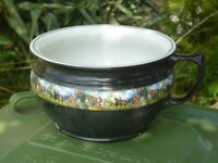 toilet ceramic bowl with vista of knights in armour
