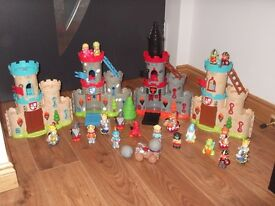 Happyland sherwood castles, good and evil castle, play and store bag collect or deliver Stonehaven