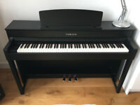 Yamaha CLP-575 high-end digital piano Clavinova, retail is £2,300, black. W10 London, with lift