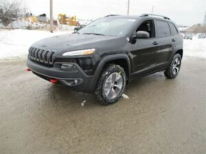 2017 Jeep Cherokee TrailHawk L Plus Pkg - 4x4, 3.2L V6 **DEMO**