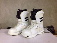 Vans Encore snowboard boots size 9.