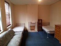 Large Bright Room Share Avail in Fulham