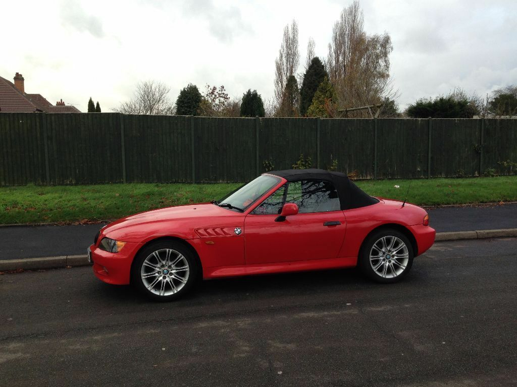 bmw z3 2 seater convertible electric hood 1 9 in hall green west midlands gumtree. Black Bedroom Furniture Sets. Home Design Ideas