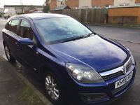 VAUXHALL ASTRA DESIGN CDTI 1.9 DEISEL. 5door hatchback blue in colour