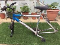 "20"" Optima Reactive Commuter, Hybrid, Medium / Large Frame City Bike (needs wheels)"