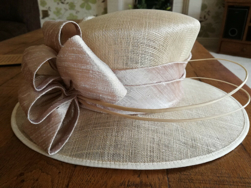 Ladies Beige Hat - Excellent Condition - Worn Once - Suitable for Wedding