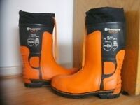HUSQVARNA LIGHT 24 CHAINSAW PROTECTIVE BOOTS - Size 43(UK 9.5/10)