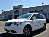 2014 Chrysler Town & Country Touring Nav Sunroof Backup Cam Dual