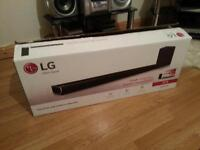 LG SPH5BW soundbar with wireless subwoofer