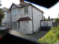 5 bed semi detached house with annex in Burnt Oak to rent