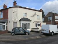 **ONE BED ROOM FLAT**DSS ACCEPTED**EXCELLENT LOCATION**WELL PRESENTED**LOUNGE**CLOSE TO ALL AMENTIES