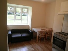 2 bedroom flat in Tooting Aldrington Road, London