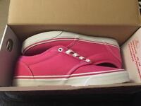 Brand new women's Atwood Vans size 6