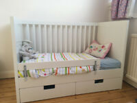 White cot bed with drawers (adjutable height and removable bars)