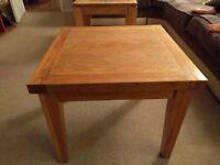 Oak Coffee Table / Table Lamp