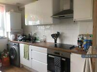 3 bedroom flat in St. John's Court, London, N4 (3 bed) (#877790)
