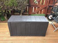 Keter garden stage box