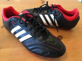 MEN'S ADIDAS FOOTBALL BOOTS - SIZE 12 - BRAND NEW WITH SHINPADS- £20 OBO