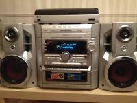 LG MIDI Hi-Fi System 3-CD Player / Radio / Double Cassette / Turntable & Twin Speakers