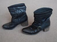 Clarks ladies leather ankle boots size 6.5