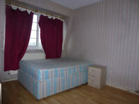 Lovely 3 bedroom flat (no reception) available in Stepney/Limehouse, E1 area.