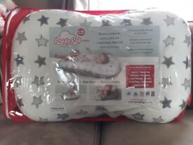Poddle pod in excellent condition.. comes in packaging.. stardust design, so unisex..