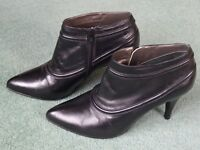LADIES 100% LEATHER ANKLE BOOTS SIZE 40