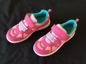 """Girl's """"Lurchi"""" Waterproof Trainers size 33/1 - NEW"""