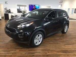 2017 Kia Sportage LX 2.4 L AWD, Heated seats, Bluetooth