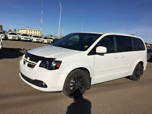 2016 Dodge Grand Caravan R/T - Locally owned, Dual DVD, Nav, Blu