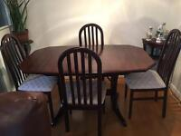 Mahogany Extending Dinning Table and 4 Chairs