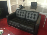 BLACK LEATEHR SOFA WITH 2 ARM CHAIRS WITH MATCHING COFFEE TABLE, EXCELLENT CONDITION