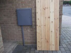 SOLID WOODEN GATE NEW NEVER FITTED