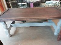 Wooden coffee table 120cm long in v good condition can deliver or collection