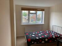Two double room very close to Ravenscourt Park W12