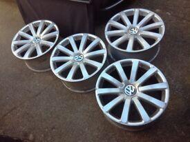 VW PHAETON Omanyt ALLOYS: 9 x 19 ET40 Genuine.