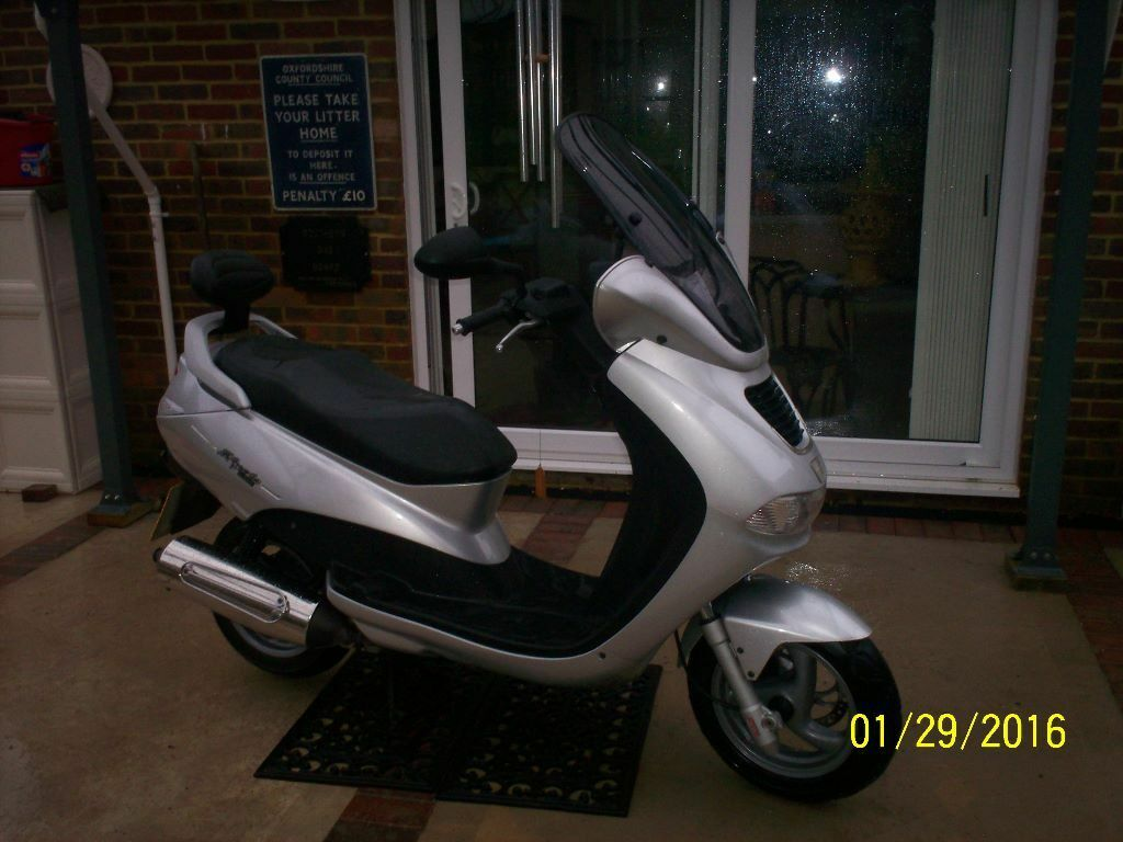 Peugeot Elyseo 150cc only done 54 miles in the last four years!