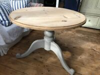 Lovely Round Pine Pedestal Dining Table