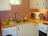 1/2 bedroom flat to rent close to town and both stations