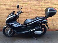 Honda PCX125 125cc *IMMACULATE, FSH & LOW MILES*