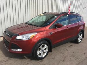 2015 Ford Escape SE 4X4 SUV WITH FACTORY WARRANTY AND EXCELLE...