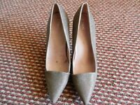 Atmosphere brighting high heels shoes size: 8/42 only onece worn with Tags £14