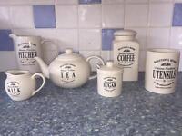 Lovely Tea Set PRICE DROP NOW £10!!!!!
