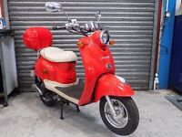2014 DIRECT BIKES 50cc SCOOTER (RETRO - ZN50QT) (LIKE A VESPA) 1 LADY OWNER 27 MILES FROM NEW.